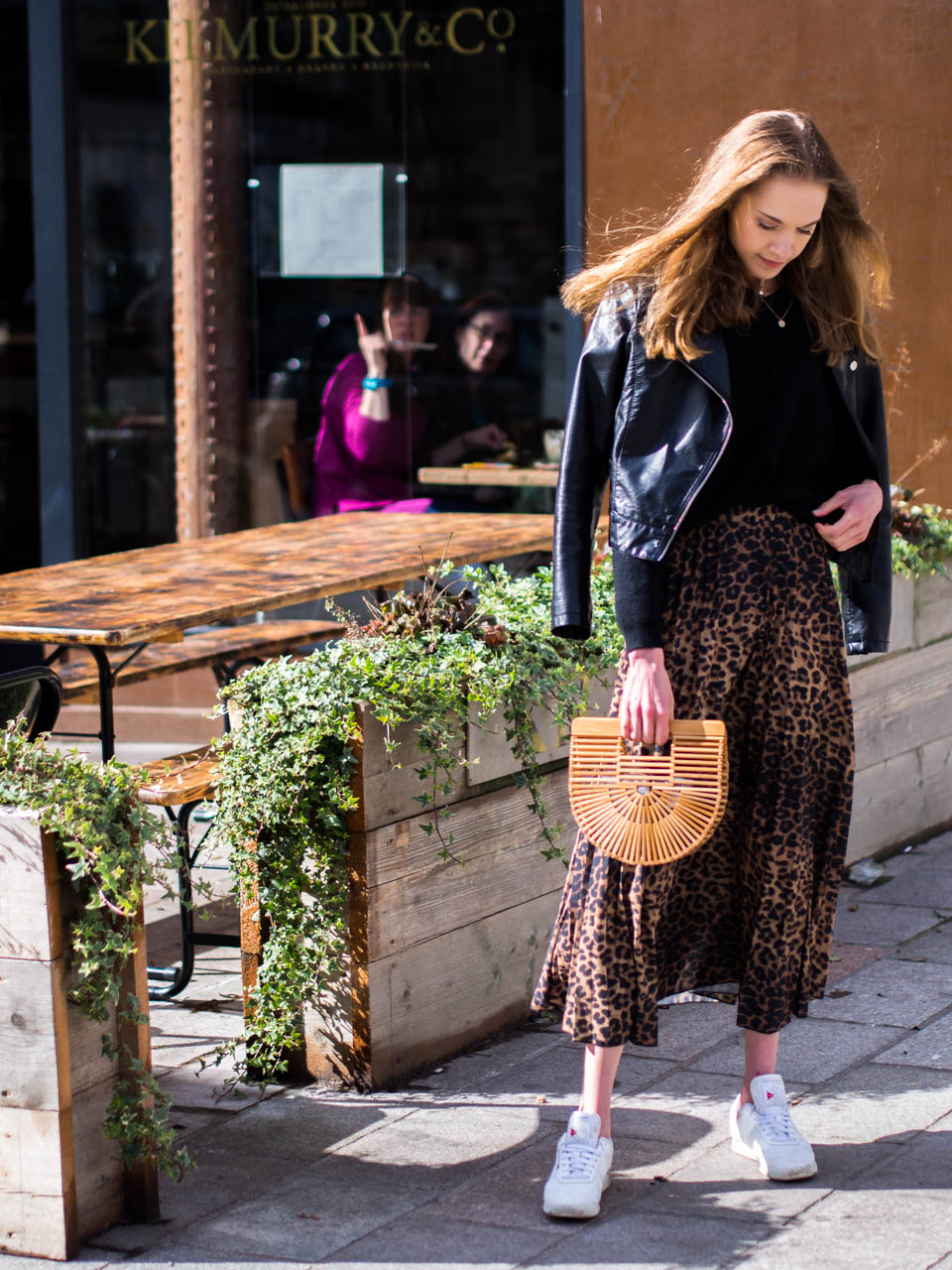 autumn-fashion-trend-leopard-print-midi-skirt-blogger-style