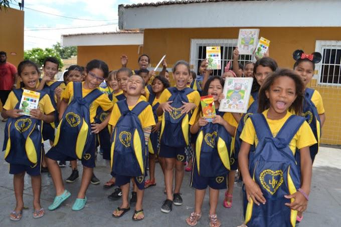 LBV: Campanha da LBV ajuda estudantes com doação de material escolar.