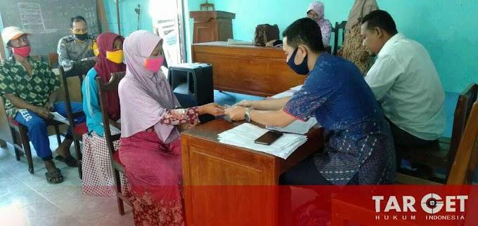 Bupati Haryanto Memonitor Penyaluran BLT DD Tahap Pertama