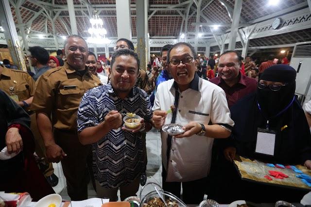 100 Pengusaha Kuliner Unjuk Rasa Di Pendopo Kota Bamdung Dapat Permodalan