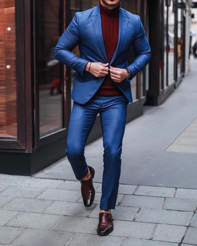 Blue suit with wine colour highneck, men.