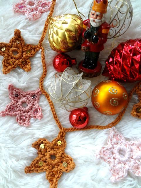Crochet Star Garland – free pattern