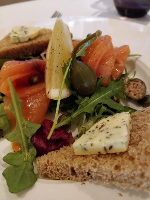 restaurant review - starter Smoked Salmon at Jack's Kitchen Kingston