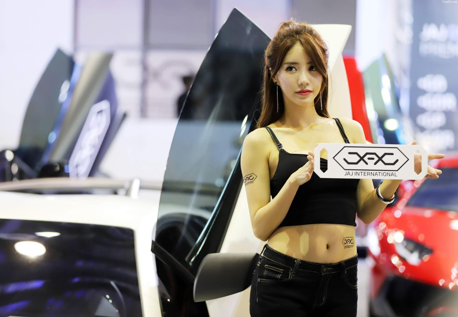 Korean Racing Model - Im Sola - Seoul Auto Salon 2019 - Picture 5