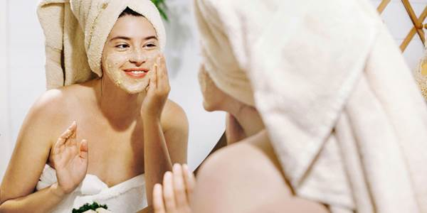 Cara Menghaluskan Kulit Wajah Secara Alami dengan eksfolia