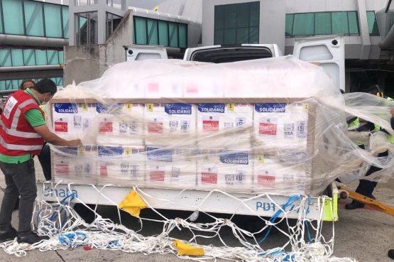 Bahia recebe remessa com 366 mil doses de vacinas contra Covid-19