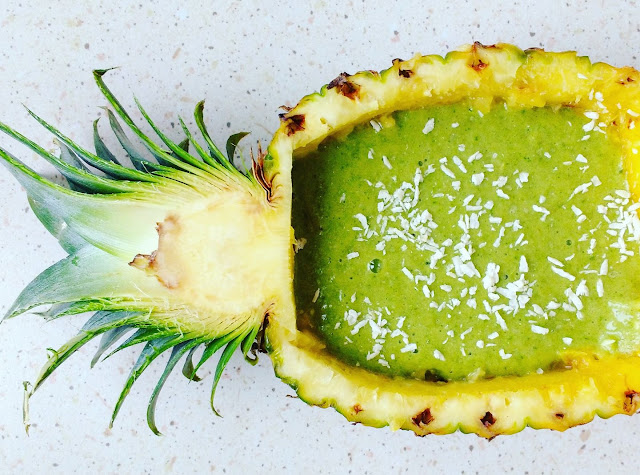http://zielonekoktajle.blogspot.com/2017/06/ananas-banan-moringa.html