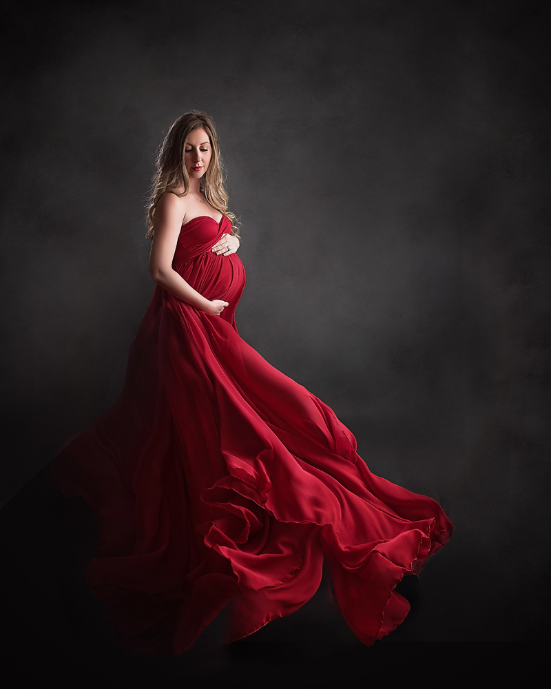 Flowy Maternity Dress For Pictures | Lauren Goss