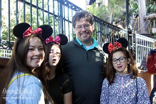 Does your dad love Disney? Maybe he'll love a trip to Disneyland with the family as a gift for Father's Day!