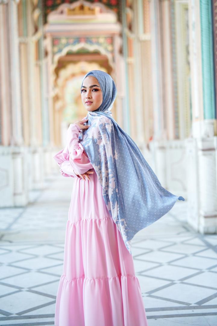 Buttonscarves X Elfira Loy Satukan Dua Rumpun, Gaya Muslimah 'Modest'