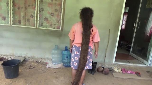 Nije oprala ni šišala kosu 20 godina.