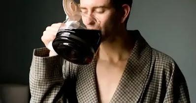 لا تشرب القهوة قبل الإفطار إذا كان نومك سيئًا