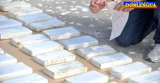 Encuentran lancha abandonada en Falcón con 140 kilos de cocaína