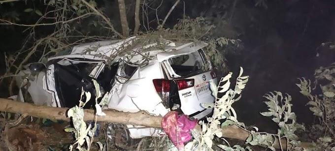 केंद्रीय मंत्री श्रीपाद नाईक यांच्या गाडीला अपघात; पत्नी आणि पीएचा मृत्यू ; कर्नाटकातील अंकोला येथे मंदिरातून परतताना गाडीला झाला अपघात