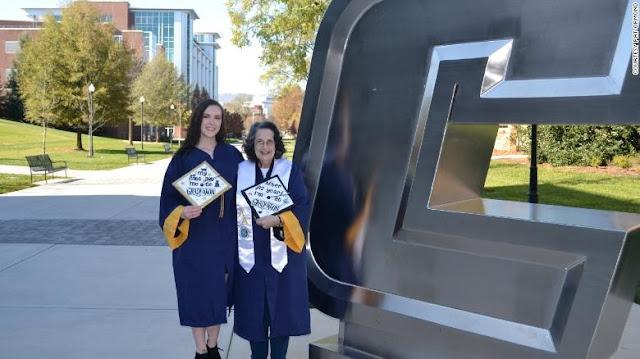 La 74enne si laurea lo stesso giorno di sua nipote negli Stati Uniti