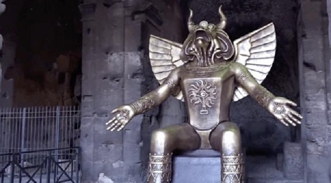 Το άγαλμα του αρχαίου «θεού Moloch» που απαιτούσε θυσία παιδιών στο Κολοσσιαίο της Ρώμης