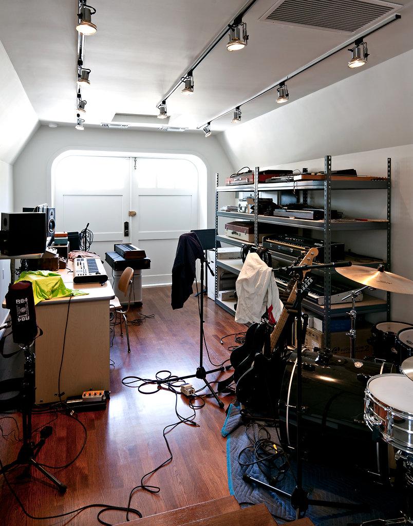 Small Kitchen Radio Band