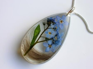 Hair and forget me not flower necklace