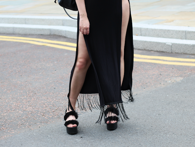 how to style maxi skirt blogger