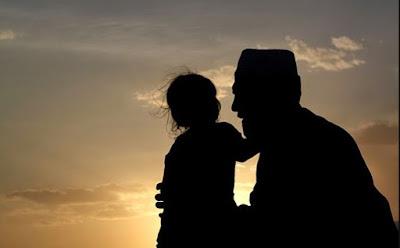 30 Puisi Ayah Terbaik Paling Menyentuh Hati!