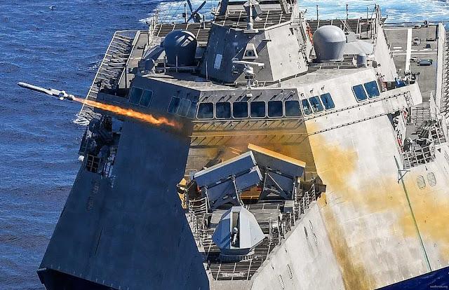 لحظة اطلاق صاروخ NSM من السفينة الحربية الامريكية USS Gabrielle Giffords LCS-10