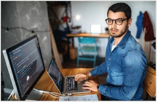 Freelancer ;Sukses Menjadi Freelancer