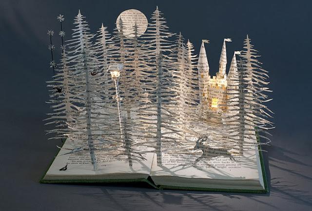 立体的で幻想的な本。本の世界が飛び出す!?10枚 ナルニア国