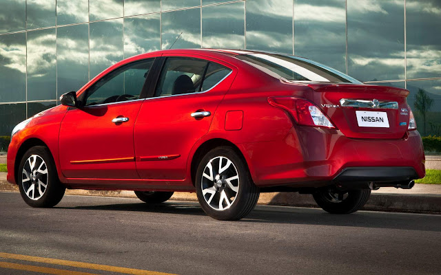 Nissan oferece R$ 2 mil de bônus para o Versa