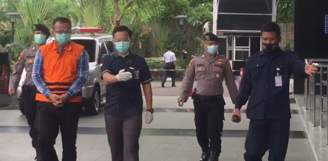 Pakai Rompi KPK, Menteri KKP Edhy Prabowo Jalani Pemeriksaan Lanjutan
