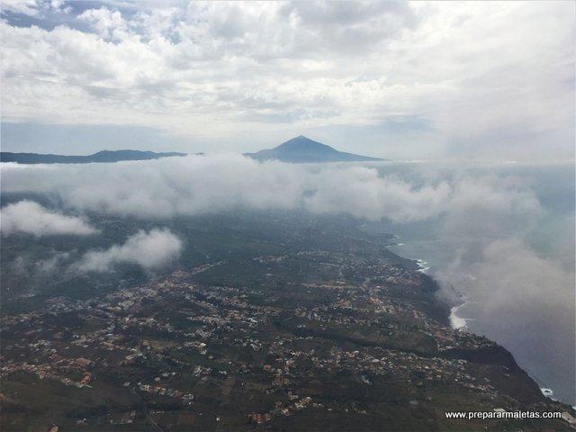 aterrizaje aeropuerto Tenerife con el Teide