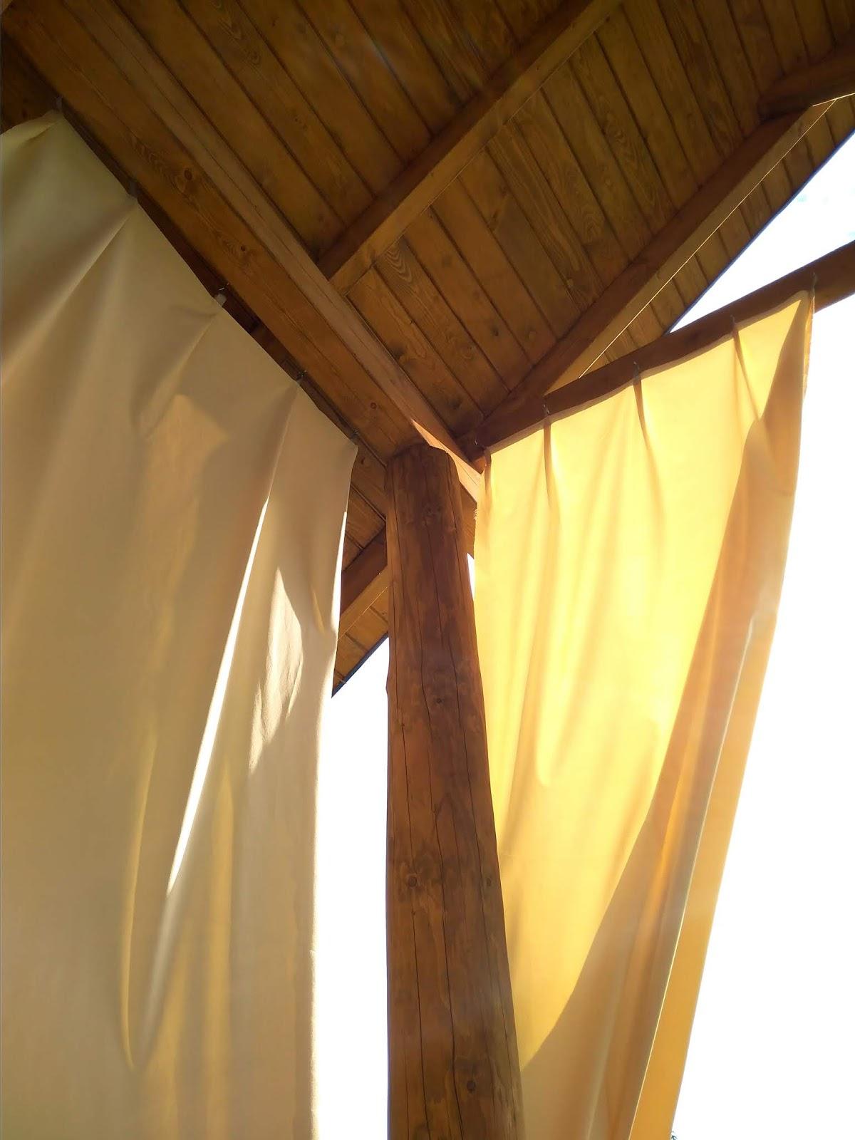Słońce I Zasłony Tarasowe W Moim Domu Z Bali