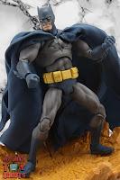 MAFEX Batman (Batman: Hush) 30