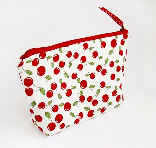 вишни, сумка для косметики, sewing