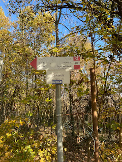 Typical signage to watch out for in the Parco dei Colli  di Bergamo.