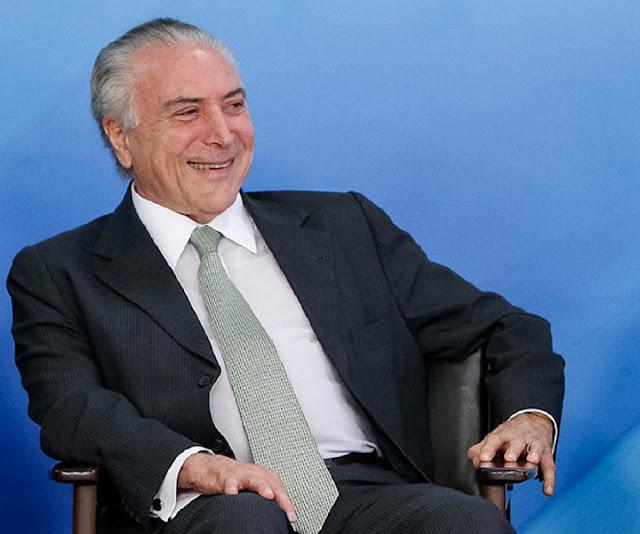Tudo de ruim que aconteceu no Brasil em 2016 foi superado em 2017, e vem mais por aí. No país de Michel Temer, Aécio Neves e Romero Jucá, o golpe não tem fim. Mas se para uma coisa este ano serviu foi para deixar claro que o golpe não foi contra o PT e a presidenta eleita Dilma Rousseff, mas contra o cidadão brasileiro. Até mesmo parte dos coxinhas já reconheceu isso.