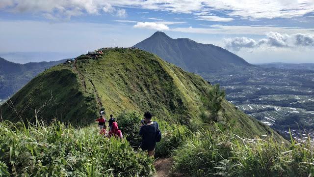 Tiket Masuk dan Parkir Kendaraan Pendakian Gunung Andong Jawa Tengah