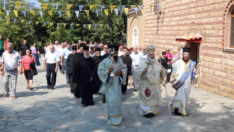 Πλήθος πιστών στο Μοναστήρι της Δαδιάς Σουφλίου