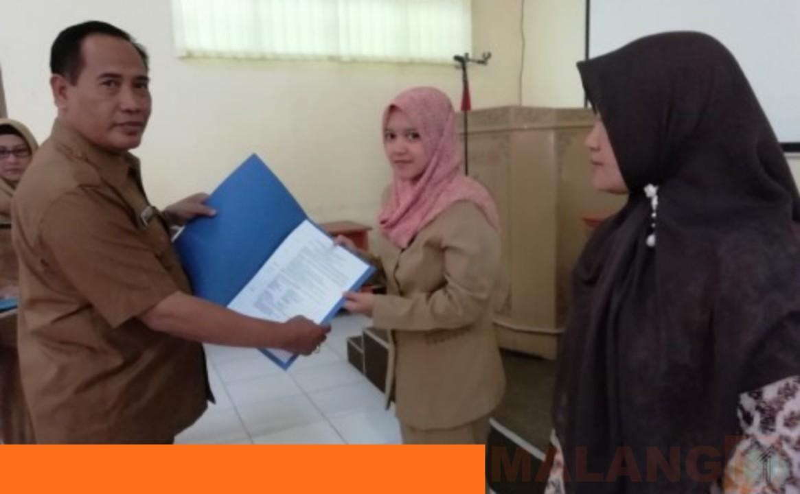 Dindik Kabupaten Malang Serahkan SK Penyetaraan Guru Non-PNS Bagi 300 Guru TK