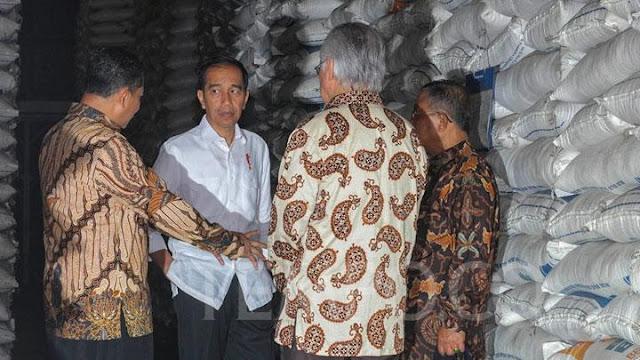 Jokowi Diminta Tanggung Jawab terhadap Pemusnahan 20 Ribu Ton Beras Impor