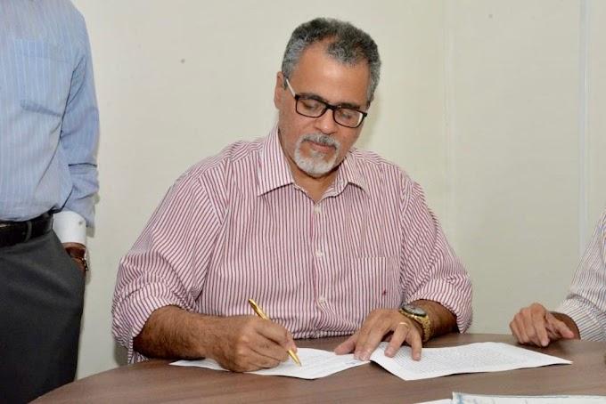 Prefeitura de Jacobina recebe escritura de compra do Hospital Regional Vicentina Goulart