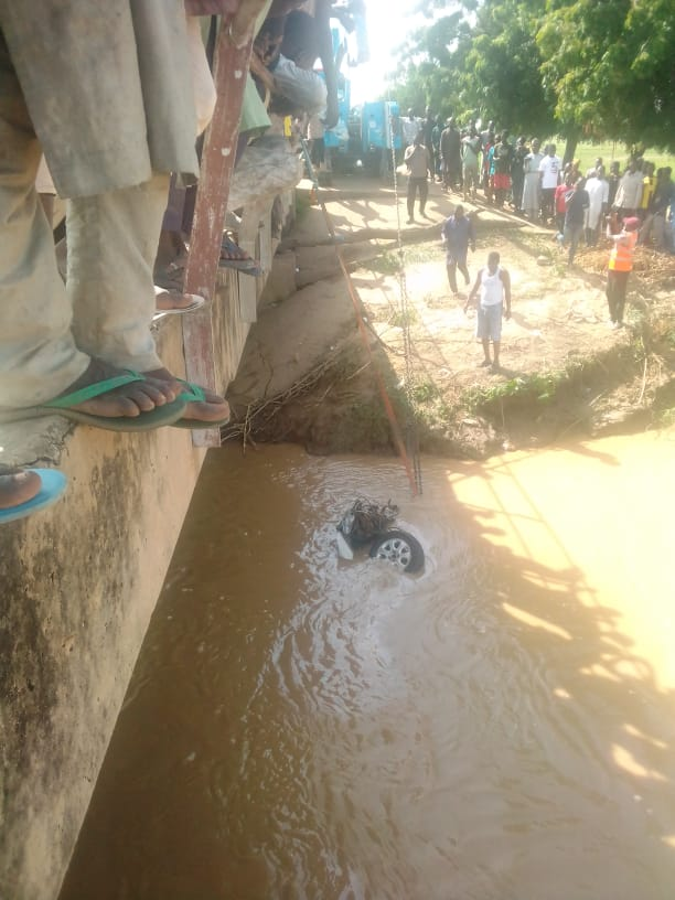 Tragedy! Two killed as vehicle plunges into Bauchi River [PHOTOS]