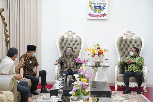 Andi Sudirman Sulaiman Terima Kunjungan BPKP dan BPK Sulsel.lelemuku.com.jpg