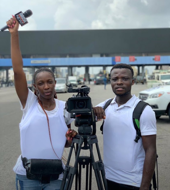 #EndSARS AriseTV Journalists Reportedly Put On Bullet Proofs To Lekki Toll Gate