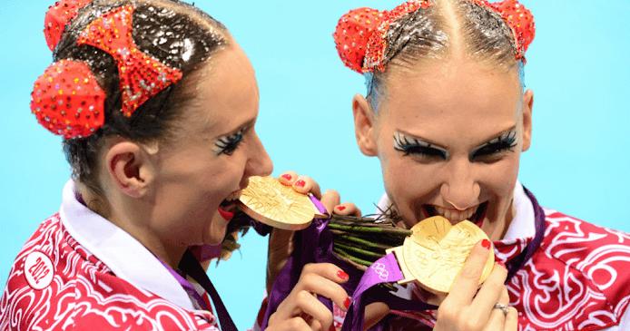 Γιατί οι Ολυμπιονίκες... δαγκώνουν τα μετάλλιά τους; (Φωτό)