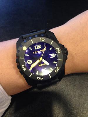 http://westernwatch.blogspot.com/2013/10/lum-tec-500m-2-dive-watch-watch-that.html