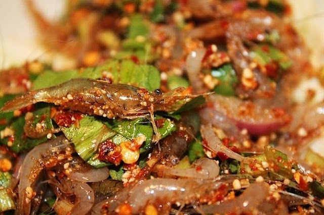 Goong ten - favorite fresh specialty in Thai cuisine