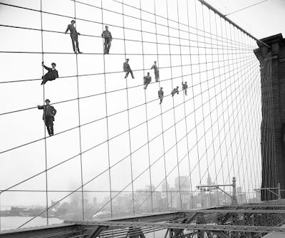Fotografías de la construcción del puente de Brooklyn