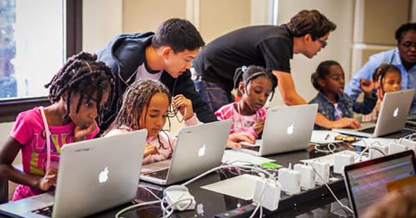 Black children learning technology