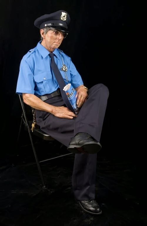 11-Seated-Security-Man-2-Artist-Marc-Sijan-Hyper-Realistic-Sculptures-Oil-Paints-www-designstack-co