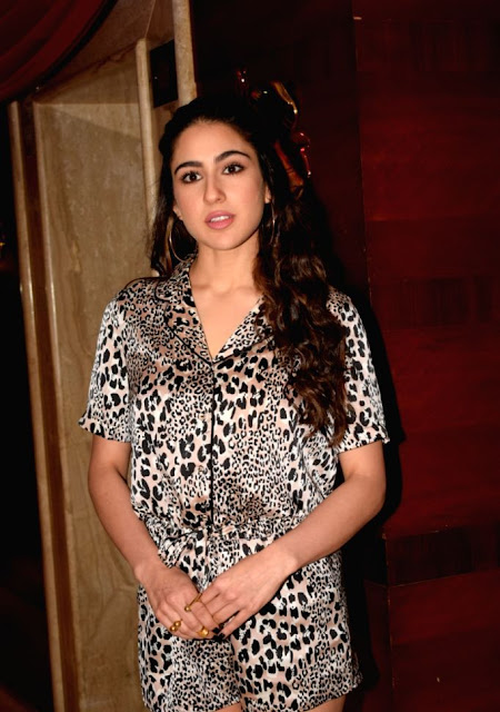 Sara Ali Khan  IMAGES, GIF, ANIMATED GIF, WALLPAPER, STICKER FOR WHATSAPP & FACEBOOK